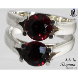 925 Sterling Silver Ring made with natural Garnet Gemstone