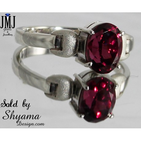 Handmade ring made with Natural Garnet Gemstone and Sterling silver